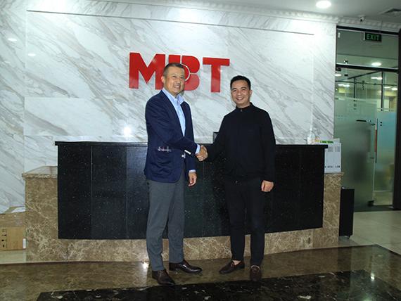 Tân Tổng Giám Đốc Nippon Steel Saigon đến thăm MBT