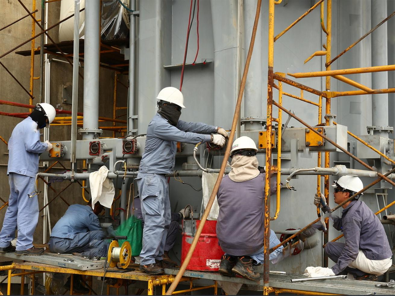 Nguyên nhân và cách xử lý hiện tượng chảy dầu máy biến áp